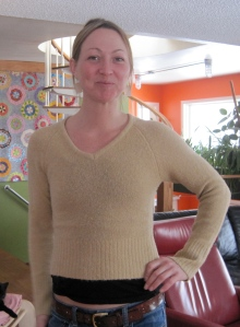 Mereidi likes the shoulder seams and the length of the sleeves of this sweater, but feels it is a bit short.