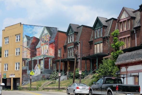 mural-Pittsburgh-Garfield-Bride-on-Penn-ave-Judy-Penzer-Jill-Watson-Ashley-Hodder-Sprout-Fund-3