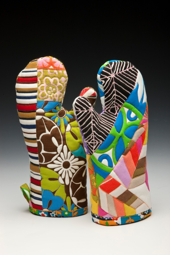 maria-shell-artful-oven-mitts-2